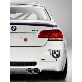 BMW ördög autós matrica