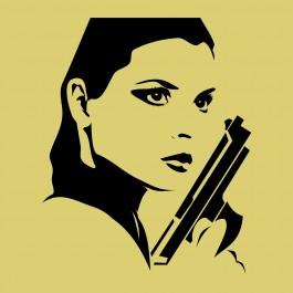Nő pisztollyal